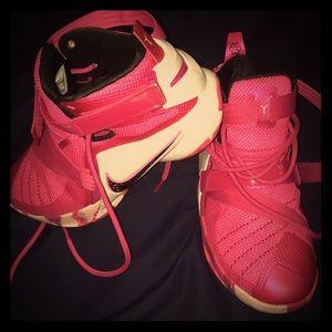 Lebron Soldier 9 Think Pink